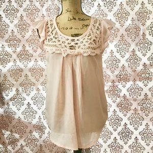 Tops - Dusty pink flutter sleeve blouse.